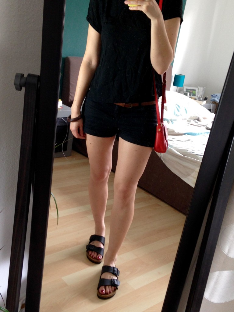 All Black Shorts Outfit 7