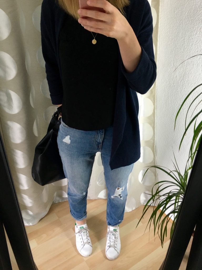 Girlfriend Jeans Cropped Top Outfit