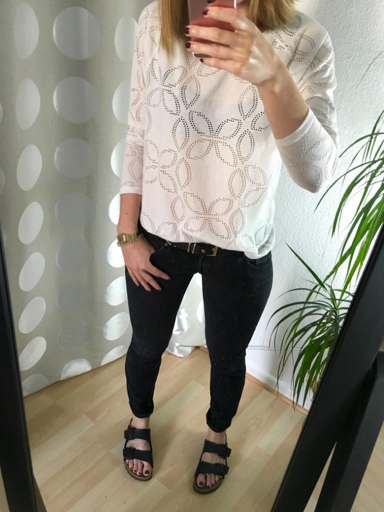 Lochmuster Shirt kombinieren