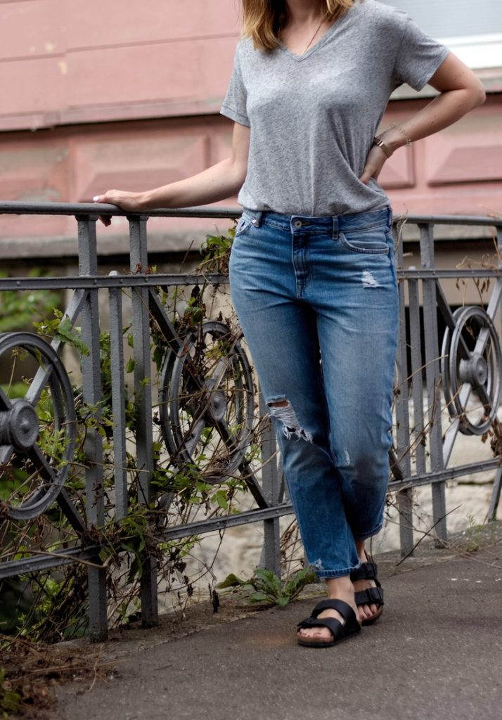 Girlfriend Jeans Outfit