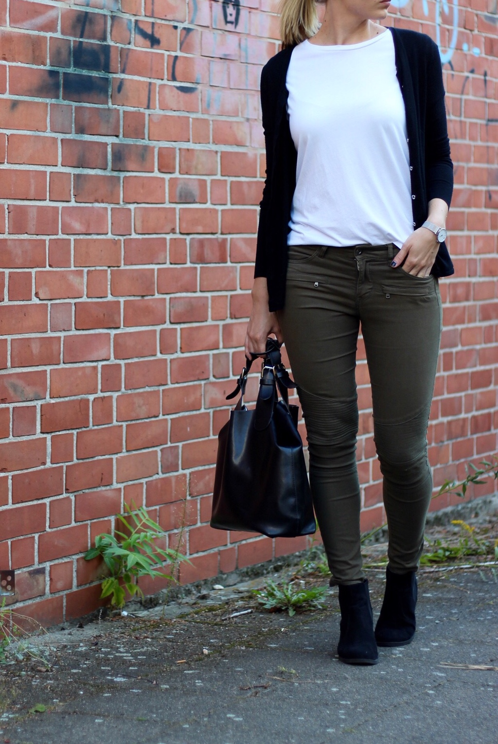 khaki-hose-outfit-herbst