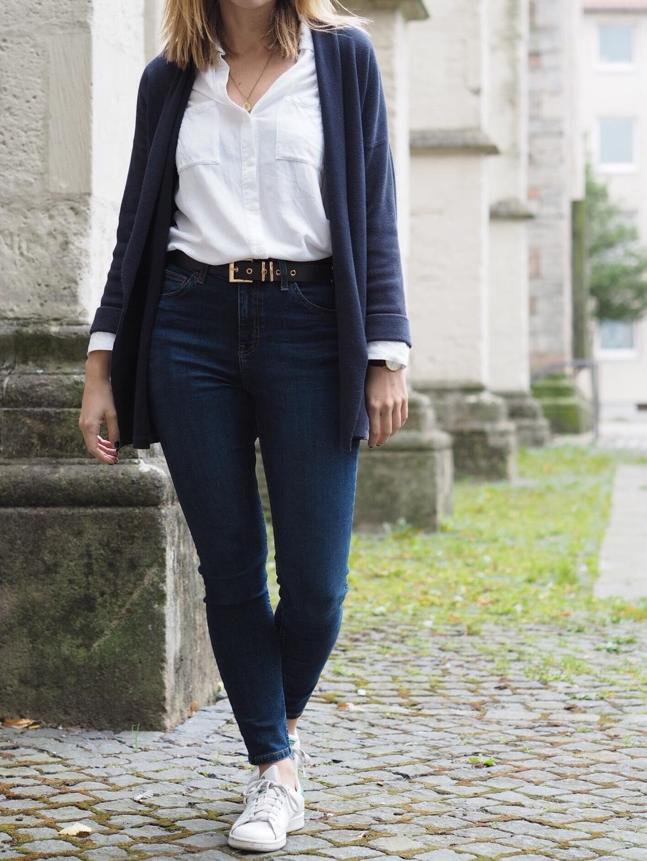 Hoch geschnittene Jeans kombinieren