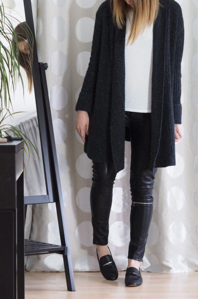 Lederhose-Loafer-T-Shirt-Outfit-2017