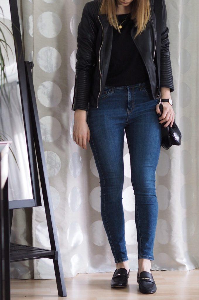 Lederjacke-Jeans-Loafer-Outfit-Frühling-2017