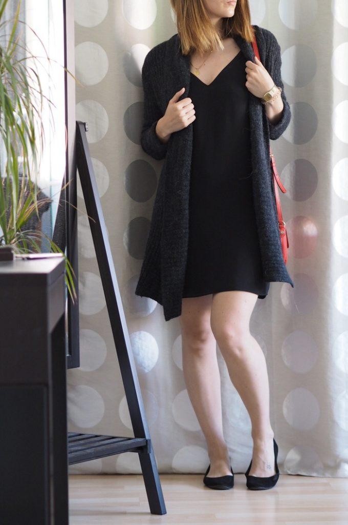 Slipdress-kombinieren-mit-Cardigan-Sommer-2017-Outfit