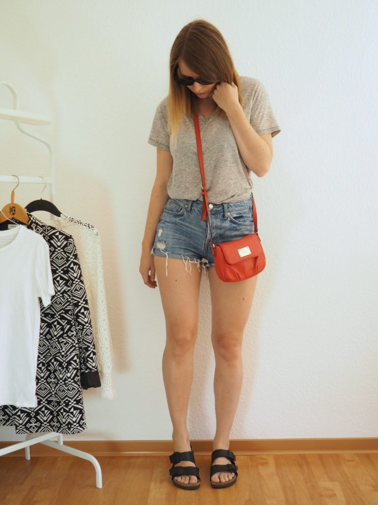 jeansshorts-Birkenstock-Sommer-Outfit-2017