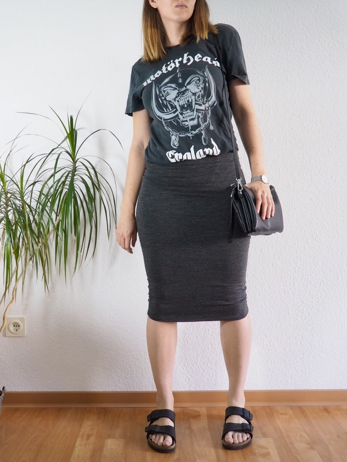 Midirock-Bandshirt-Birkenstock-Sommer-Outfit-2017