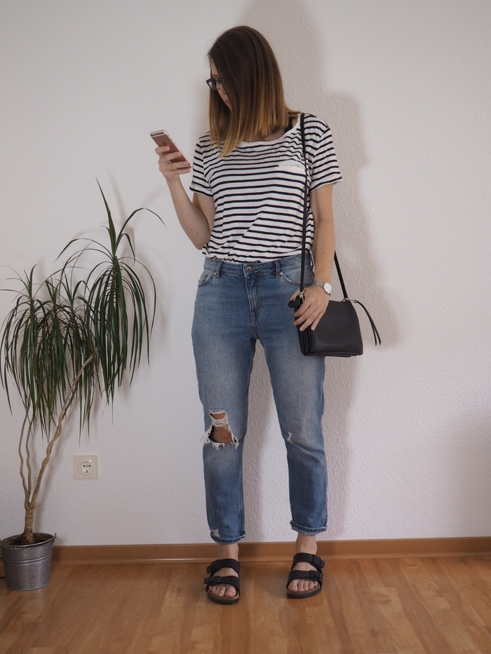 Mom-Jeans-gestreiftes-Shirt-Birkenstock-Sommer-Outfit-2017