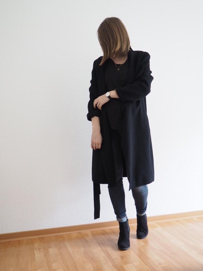 Umstandsmode-Herbst-Wickelmantel-Boots-Umstandsjeans-Schwangerschaftsoutfit
