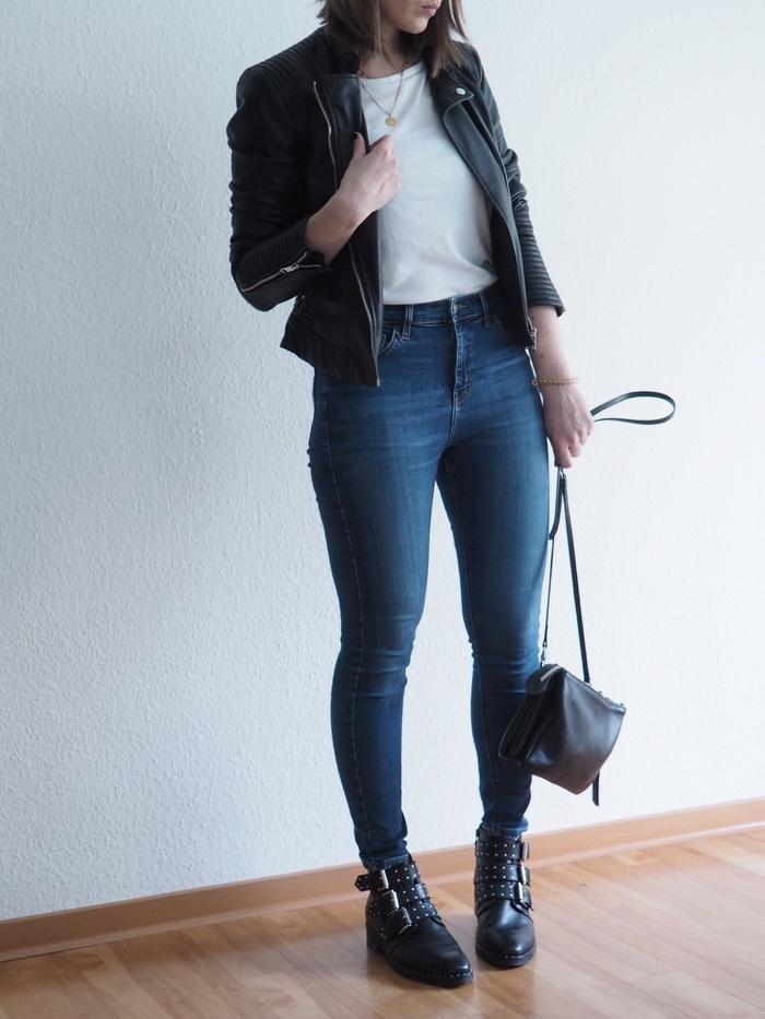 Lederjacke Jeans T-Shirt Look Frühling Sommer 2018 Outfit