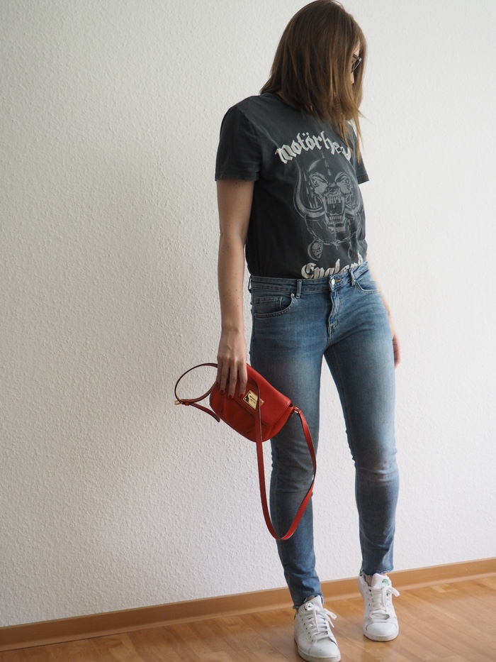 Bandshirt-kombinieren-Bandshirt-Outfit-Fruehling-Sommer-2018