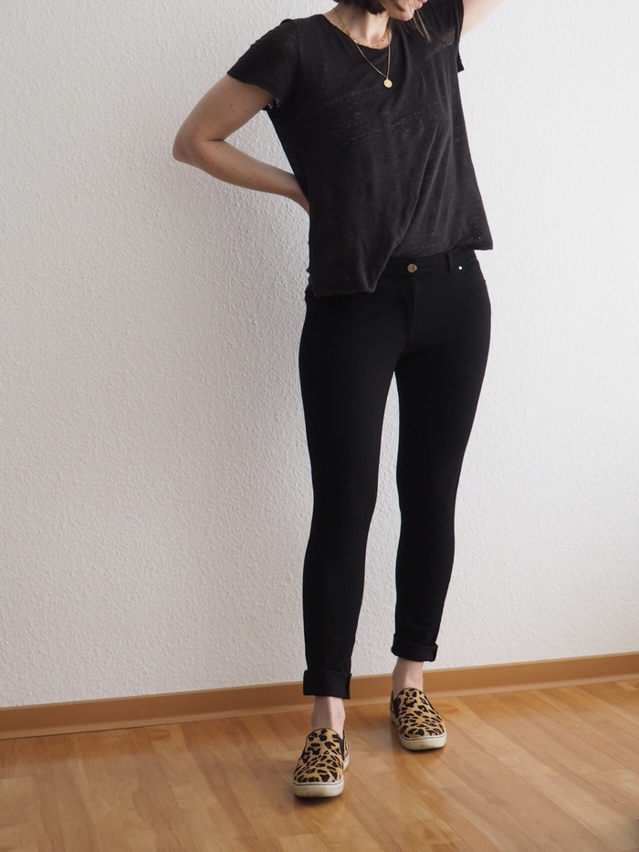 eo-Muster-kombinieren-Leo-Sneaker-Outfit-Sommer-2018