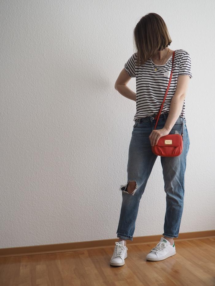 Summer-Capsule-Look-2018-Gestreiftes-Shirt-Outfit-Sommer-2018-Minimal