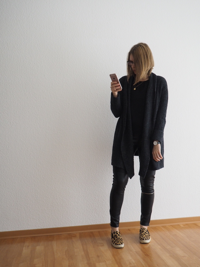 Lederhose Outfit Herbst Leo-Sneaker